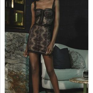 Alexis black lace dress - M -NWT